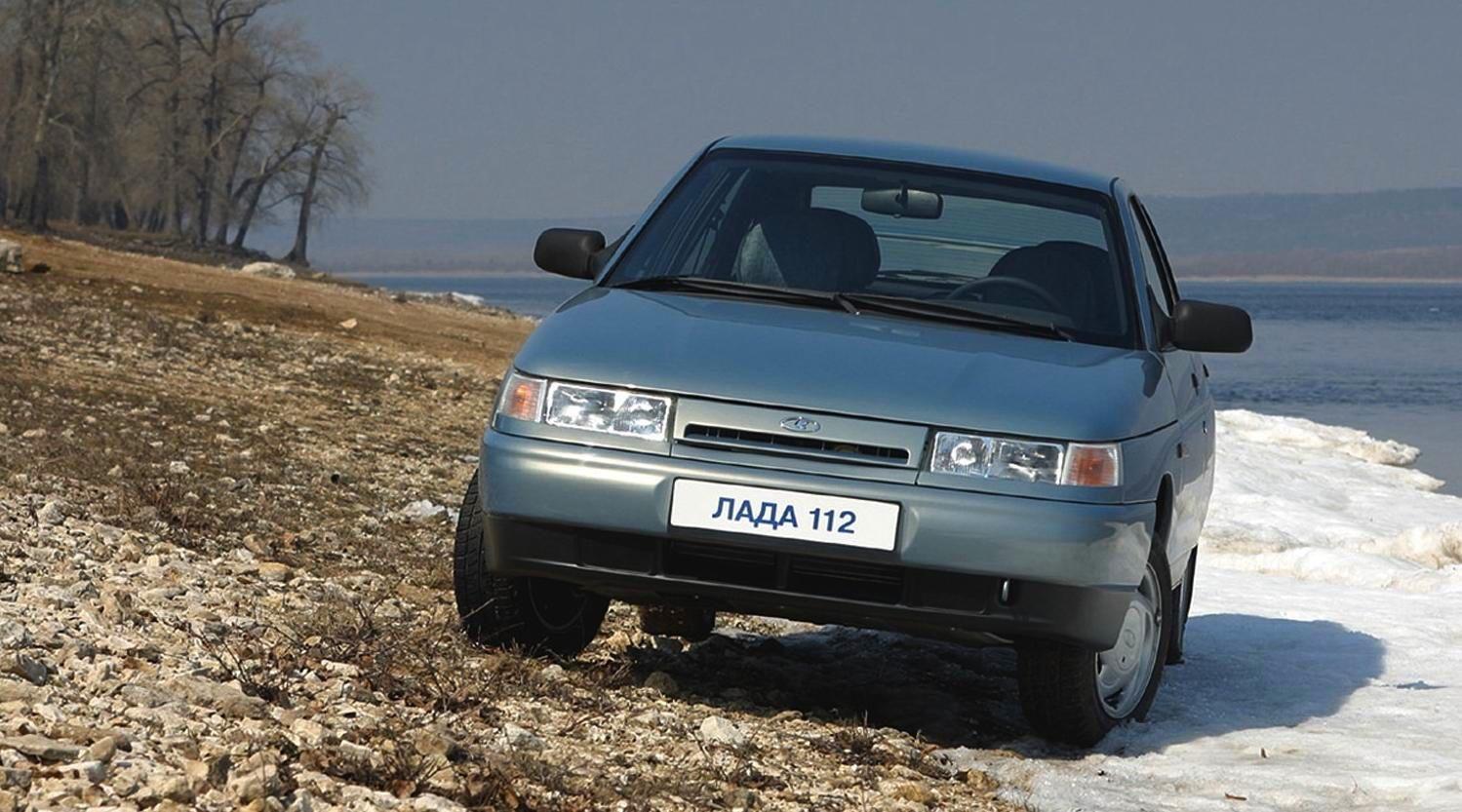 Russia 1996-2002: Lada 110, Samara and 2104-7 on top